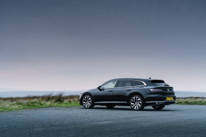 2021 Volkswagen Arteon Shooting Brake - UK version 3