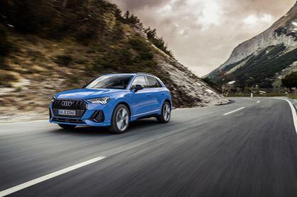 2021 Audi Q3 45 TFSI e 3