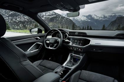 2021 Audi Q3 45 TFSI e 30