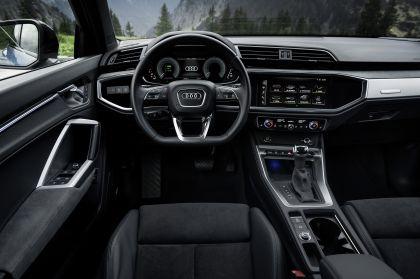 2021 Audi Q3 45 TFSI e 31