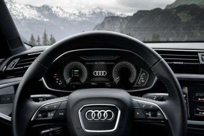 2021 Audi Q3 45 TFSI e 32