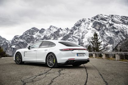 2021 Porsche Panamera Turbo S E-Hybrid 6