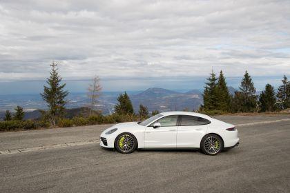 2021 Porsche Panamera Turbo S E-Hybrid 12