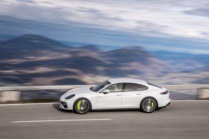 2021 Porsche Panamera Turbo S E-Hybrid 13