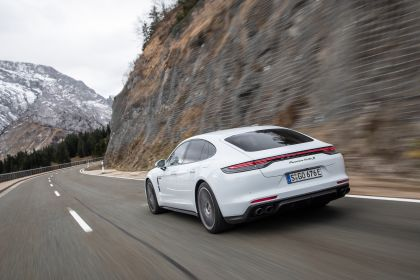 2021 Porsche Panamera Turbo S E-Hybrid 26