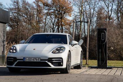 2021 Porsche Panamera Turbo S E-Hybrid 41