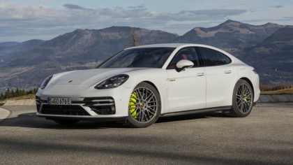 2021 Porsche Panamera Turbo S E-Hybrid 3