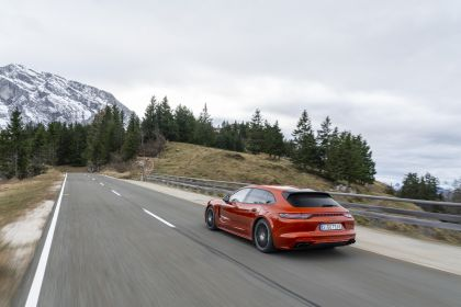 2021 Porsche Panamera 4 E-Hybrid Sport Turismo 5