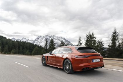 2021 Porsche Panamera 4 E-Hybrid Sport Turismo 15