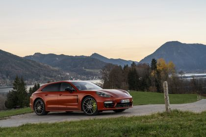 2021 Porsche Panamera 4 E-Hybrid Sport Turismo 18