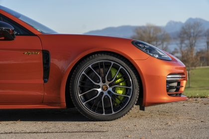 2021 Porsche Panamera 4 E-Hybrid Sport Turismo 33