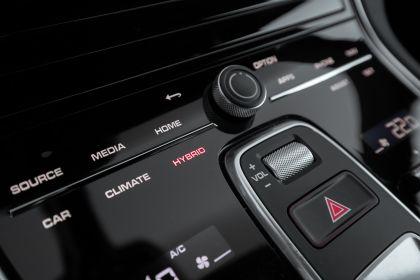 2021 Porsche Panamera 4 E-Hybrid Sport Turismo 46