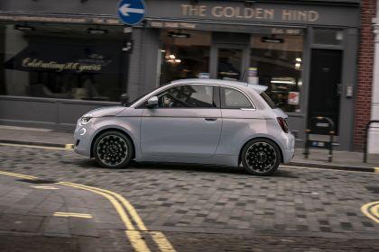 2021 Fiat 500 36