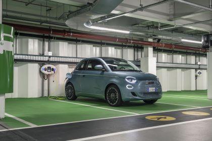 2021 Fiat 500 cabriolet 1