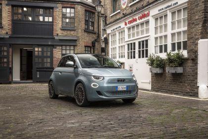 2021 Fiat 500 cabriolet 3
