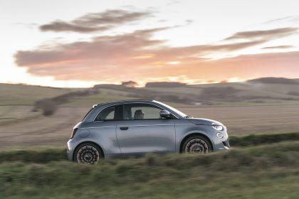 2021 Fiat 500 cabriolet 38