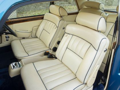 1977 Rolls-Royce Corniche I 18