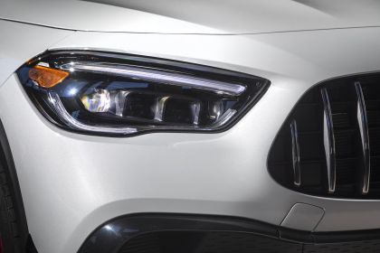 2021 Mercedes-AMG GLA 45 4Matic+ - USA version 23