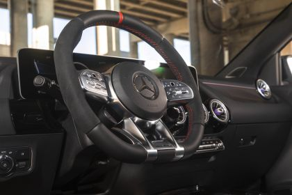 2021 Mercedes-AMG GLA 45 4Matic+ - USA version 43