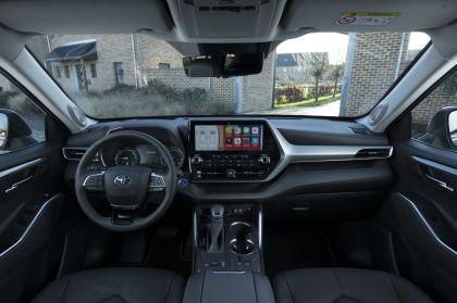 2021 Toyota Highlander hybrid - EU version 68