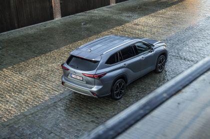 2021 Toyota Highlander hybrid - EU version 101