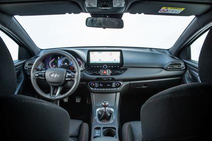 2021 Hyundai i30 32