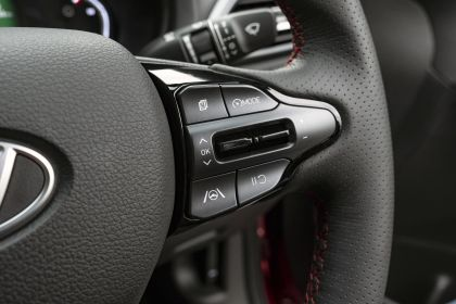 2021 Hyundai i30 Fastback N Line - UK version 32