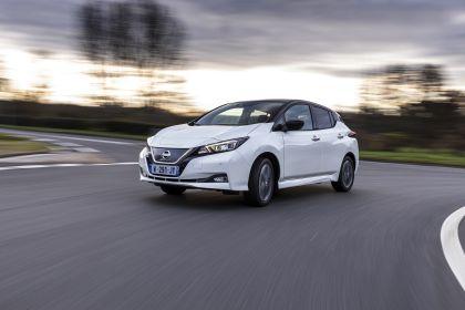 2021 Nissan Leaf10 17