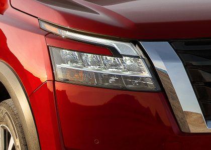 2022 Nissan Pathfinder 15