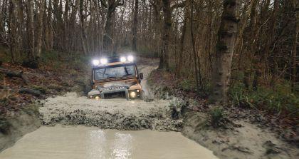 2021 Land Rover Defender Works V8 Trophy 27