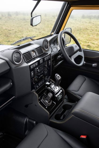 2021 Land Rover Defender Works V8 Trophy 35