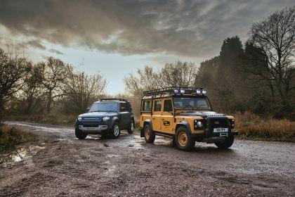 2021 Land Rover Defender Works V8 Trophy 38