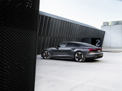2022 Audi RS e-tron GT 3