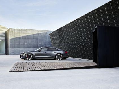 2022 Audi RS e-tron GT 7