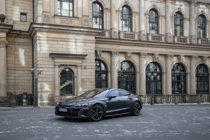 2022 Audi RS e-tron GT 70
