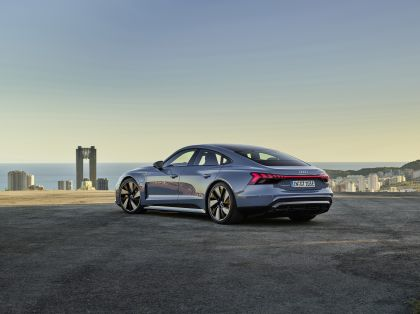 2022 Audi e-tron GT quattro 4