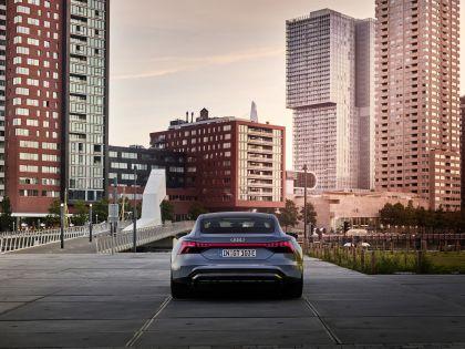 2022 Audi e-tron GT quattro 10