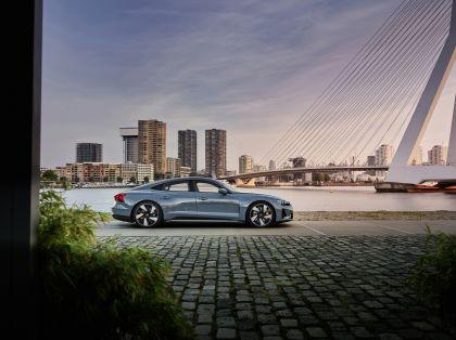 2022 Audi e-tron GT quattro 11