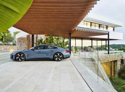 2022 Audi e-tron GT quattro 12