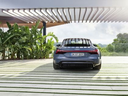 2022 Audi e-tron GT quattro 14