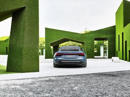 2022 Audi e-tron GT quattro 17