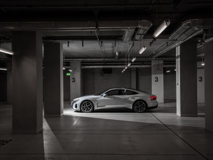 2022 Audi e-tron GT quattro 96