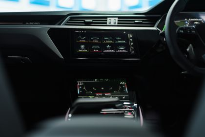 2021 Audi e-tron S Sportback quattro - UK version 116