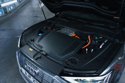 2021 Audi e-tron S Sportback quattro - UK version 132