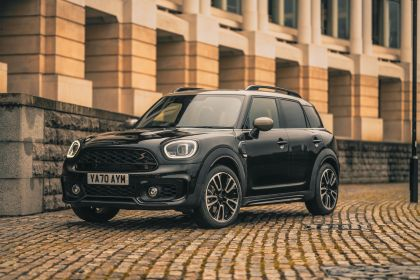 2021 Mini Countryman Cooper S Shadow Edition - UK version 1