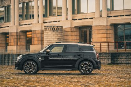 2021 Mini Countryman Cooper S Shadow Edition - UK version 7