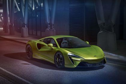 2022 McLaren Artura 19