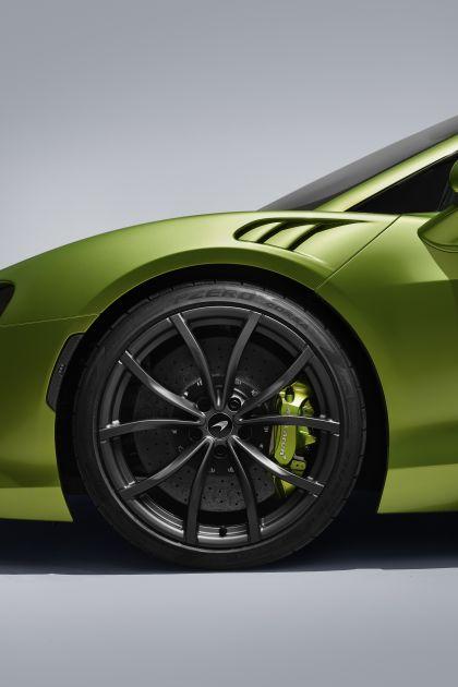 2022 McLaren Artura 31