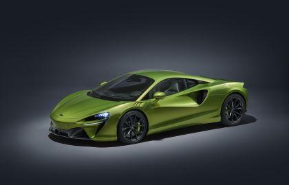 2022 McLaren Artura 32