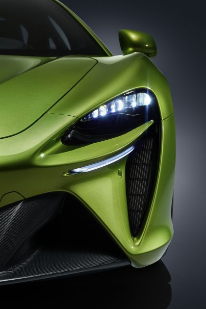 2022 McLaren Artura 36